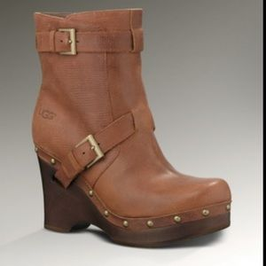 UGG Taryn wooden wedge heel ankle boots size 10